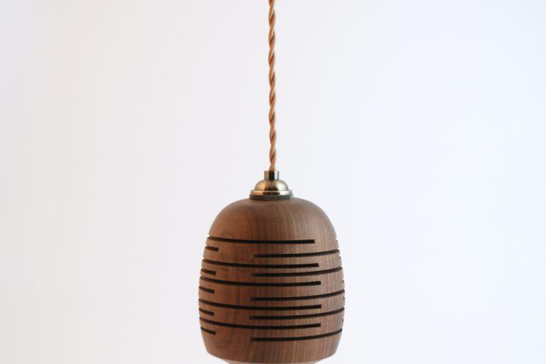 mathilde-090-lampe-2-accrochee